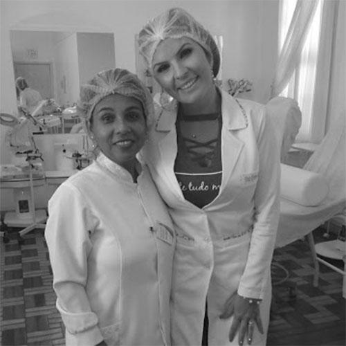 Dra. Karen Goulart: Curso de Microagulhamento Fotobiomodulado.